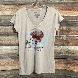 Taylor Swift Size Large Gray V Neck Fitted Tee NWT